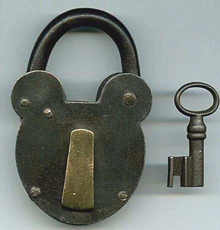 clef-cadenas-ancien-acier